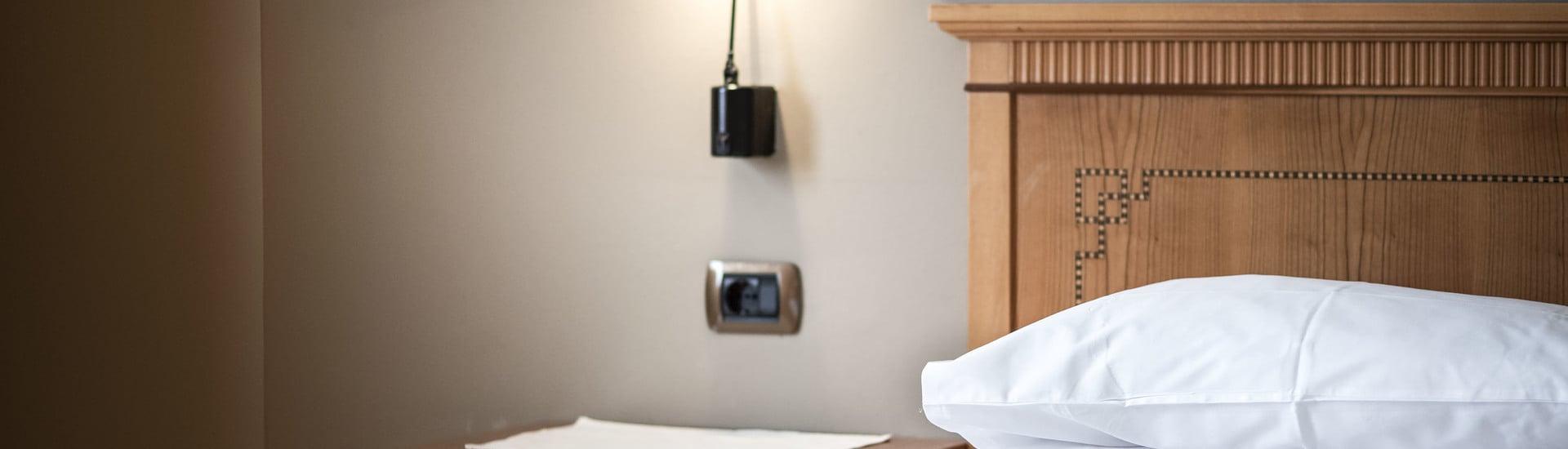 Appartamento pulito ed accogliente; il personale sempre molto gentile e cortese e premuroso. Ottima posizione in centro.