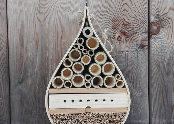 Costruisci il tuo hotel per insetti!