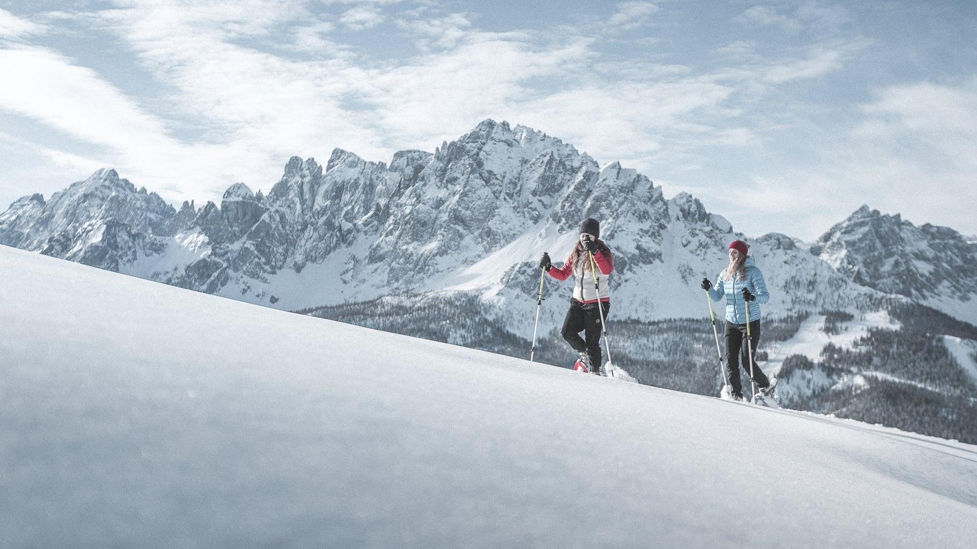 5 geführte Schneeschuh Wanderungen pro Woche